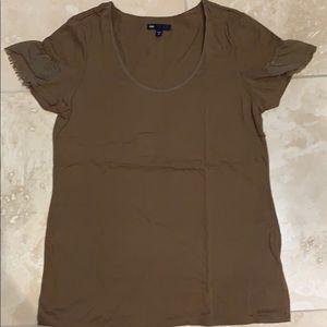 Gap T-shirt with ruffle-like sleeves